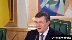 «Рада регіонів – це майданчик, де Президент перед телекамерами демонструє, що він управляє» – політолог