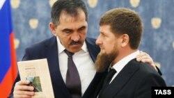 Глава Республики Ингушетия Юнус-Бек Евкуров и глава Чечни Рамзан Кадыров, иллюстративное фото