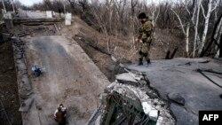 Ukraynanın şərqində yaraqlılar