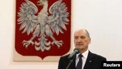 Польшанын коргоо министри Антоний Мацеревич.