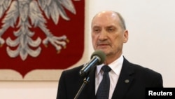 Министр обороны Польши Антони Мачеревич. 4 февраля 2016 года.