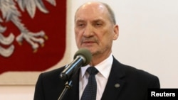 Польша қорғаныс министрі Антони Мацеревич.