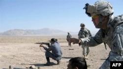 U.S. soldiers training Afghan police