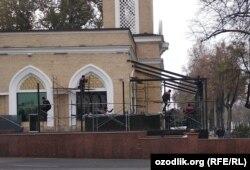 Куранты в Ташкенте.