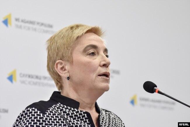 У 2017 році Ганна Соломатіна – ексдиректорка одного з департаментів НАЗК – назвала Горащенкова куратором агентства від президента