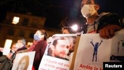 تظاهرات در پاریس علیه نقض حقوق بشر در مصر در جریان سفر عبدالفتاح السیسی به فرانسه (عکس از آرشیو)