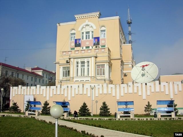 """Грознефтегаз"" компаниясы кеңсесі, Грозный, 23 наурыз 2006 жыл. (Көрнекі сурет.)"