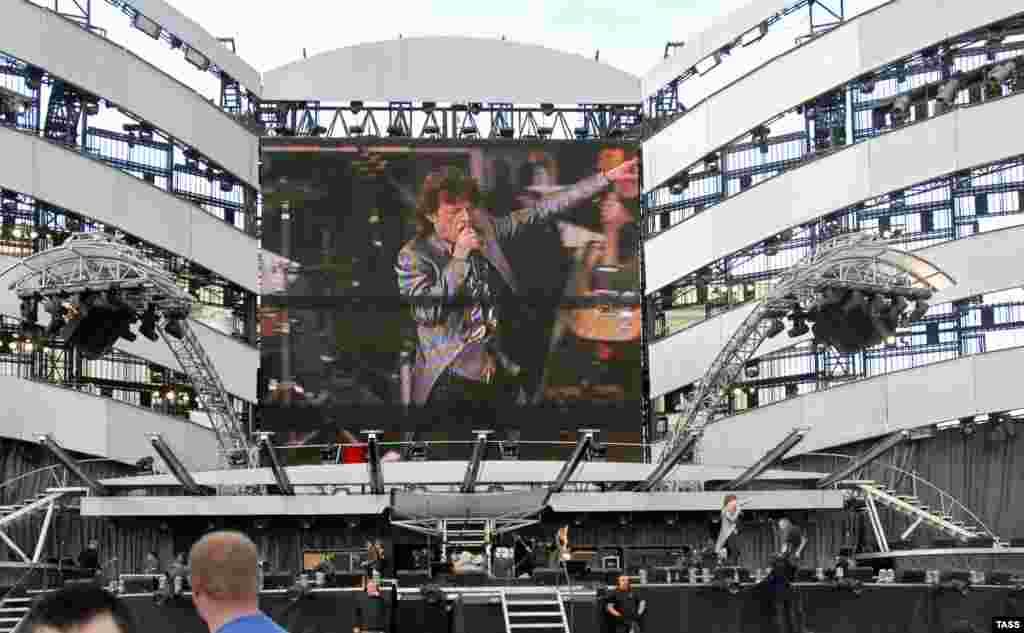 """2007. Концерт в Санкт-Петербурге -- через два года после выпуска последнего на сегодняшний день альбома группы """"A Bigger Bang"""""""