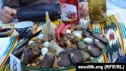 Плов считается самым любимым блюдом узбеков.