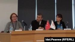 Докладчики панельной дискуссии в Анкаре