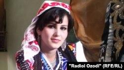 Власти Таджикистана пропагандируют национальную одежду