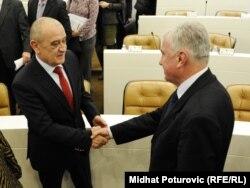 Vjekoslav Bevanda prima čestitke nakon izbora za predsjedavajućeg, 12. januar 2011.