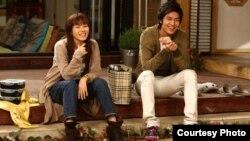 Түштүк Кореянын сериалдарын сүйүп көргөндөр Кыргызстанда да басымдуу. Сүрөттө Түштүк Кореянын кино жылдыздары.