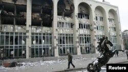 Бишкектеги Башкы прокуратуранын имараты, 08.04.2010