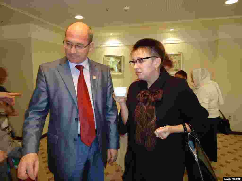 Ирек Шәрипов, Ирина Гонюкова - Сахалин өлкәсе мәдәният министры