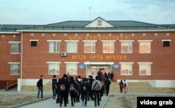 Әйтеке би кентіндегі 170-мектептің жаңа ғимараты. Қызылорда облысы, Қазалы ауданы, 18 қазан 2014 жыл.