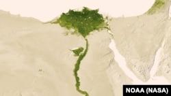 Нижнее русло и дельта Нила на территории Египта. Вокруг – безжизненная пустыня