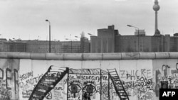 دیوار برلین، ۱۹۸۴
