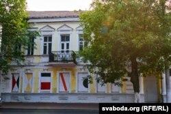 У двухпавярховым будынку на вуліцы Калініна, колішняй Магілёўскай, плянуецца зрабіць музэй Юдаля Пэна. Тут будуць экспанавацца ягоныя працы