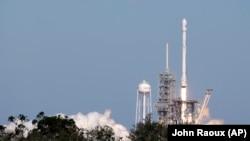 Запуск ракеты Falcon 9 с мыса Канаверал