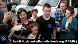 On September 7, 2019, an exchange took place, which is supported by citizens between Ukraine and Russia.  The plane with 35 Ukrainians landed at Kyiv's Boryspil airport.  In the photo Vyacheslav Zinchenko, senior sailor of MBAK