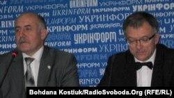Посол Литви в Україні Петрас Вайтєкунас (праворуч), Київ, 19 грудня 2011 року