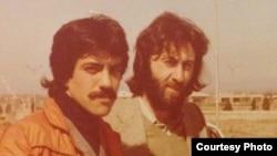 از راست به چپ همایون خسروی و کریم قربانی سال ۵۸ خورشیدی در ایران