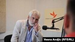 Zoran Stojiljković u beogradskom studiju RSE