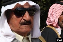 """""""Borbe će privremeno prestati."""", kaže Humajdi Daham al-Hadi, prominentni plemenski vođa i lider provincije u okviru poliautonomne kurdske regije u Siriji. """"Ali negativni uticaj će se nastaviti godinama."""" 2. mart 2019. Tel Alo, Sirija (H. Murdock/VOA)"""