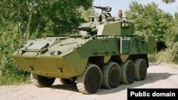 """Arxiv foto: Avstriya istehsalı olan """"Pandur II 8x8"""" zirehli transportyoru."""