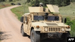Американский армейский вездеход Humvee в штате Южная Дакота. Иллюстративное фото.