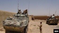نیروهای ناتو در افغانستان تمام هفته گذشته برای عقب راندن نیرهای طالبان جنگیده اند.