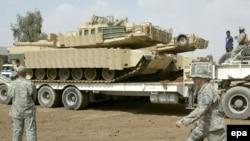 جنود من فرقة المشاة الرابعة للجيش الأميركي يعدون للعودة إلى الولايات المتحدة، 10 آذار 2009