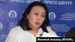 Айгүл Баймағамбетова, жазасын өтеуші Қайрат Егімбаевтың адвокаты. Алматы, 23 тамыз 2018 жыл