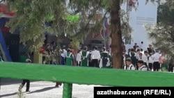 Средняя школа в Ашхабаде