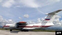 Российский транспортный самолет в аэропорту сирийского города Латакия. Иллюстративное фото.
