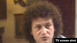 """Dan Alexe în 1988, în documentarul belgian """"Le désastre rouge"""""""