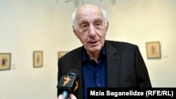 Искусствовед Гоги Хоштария