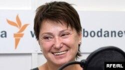 Нина Зверева