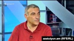Айк Геворкян в студии «Азатутюн ТВ» (архив)