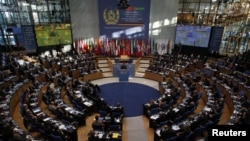 د جرمني په بون کې د افغانستان په اړه نړیوال کنفرانس .۵ ډسمبر ۲۰۱۱م کال.
