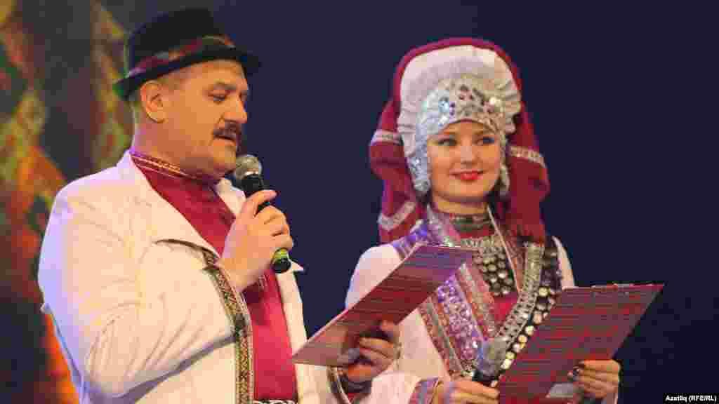 Алып баручылар ТНВ каналыннан Илдар Кыямов һәм Венера Иванова
