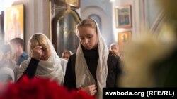 Асьвячэньне велікоднай ежы ў Менску