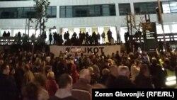 Učesnici protesta ispred Palate pravde u Beogradu, 16. novembar