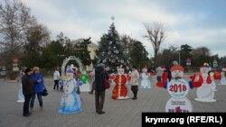 Евпатория в преддверии Нового года (фотогалерея)