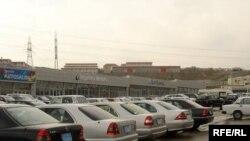 Hazırda Azərbaycanda 1 milyondan çox nəqliyyat vasitəsi var. Onların təqribən 80 faizi minik avtomobilləridir