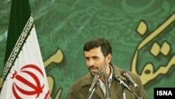 انتقادها به سفر احتمالی محمود احمدی نژاد به نیورک بالا می گیرد