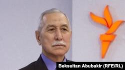 Орозбек Молдалиев.