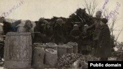 Голодомор в Україні 1932-1933 років (архівне фото)