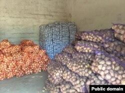 Украинская гуманитарная помощь на складе в Луганске